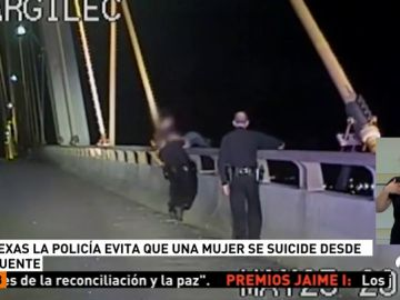 <p>La policía evita que una mujer se suicide desde un puente en Texas (EEUU)</p>