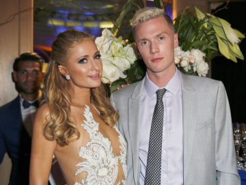Paris Hilton con su hermano Barron