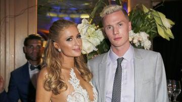 Paris Hilton con su hermano Barron