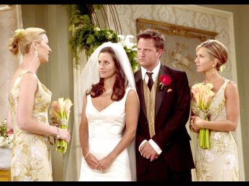 Imagen de la boda de Monica y Chandler en 'Friends'