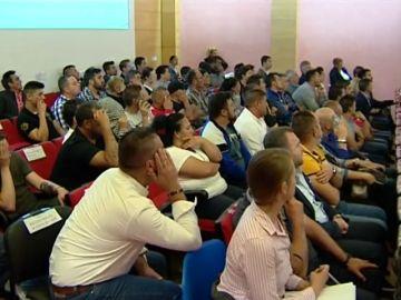 <p>Macrojuicio en Granada contra una trama que falsificaba exámenes para el carnet de conducir  </p>