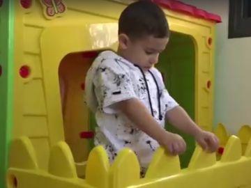 El niño israelí que habla inglés sin haberlo aprendido antes