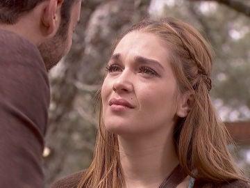 Julieta y Saúl huyen de Puente Viejo