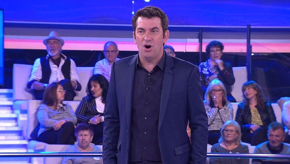 La suerte de una concursante de '¡Ahora Caigo!' sorprende a Arturo Valls