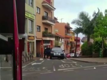 <p>Atracan una joyería de Tenerife y se dan a la fuga</p>