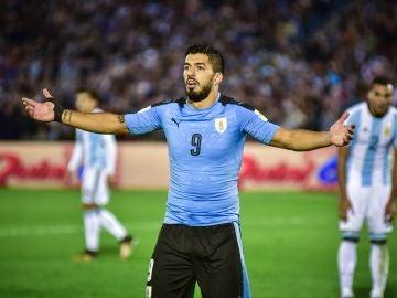 Luis Suárez, jugando con Uruguay