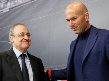 Zidane y Florentino en la rueda de prensa del adiós del francés