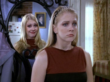 Sabrina, cosas de brujas - Temporada 7 - Capítulo 11: La mentirosa, la bruja y el guardarropa