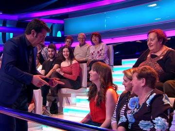 Arturo Valls elige a una persona del público para que se convierta en concursante de '¡Ahora Caigo!'