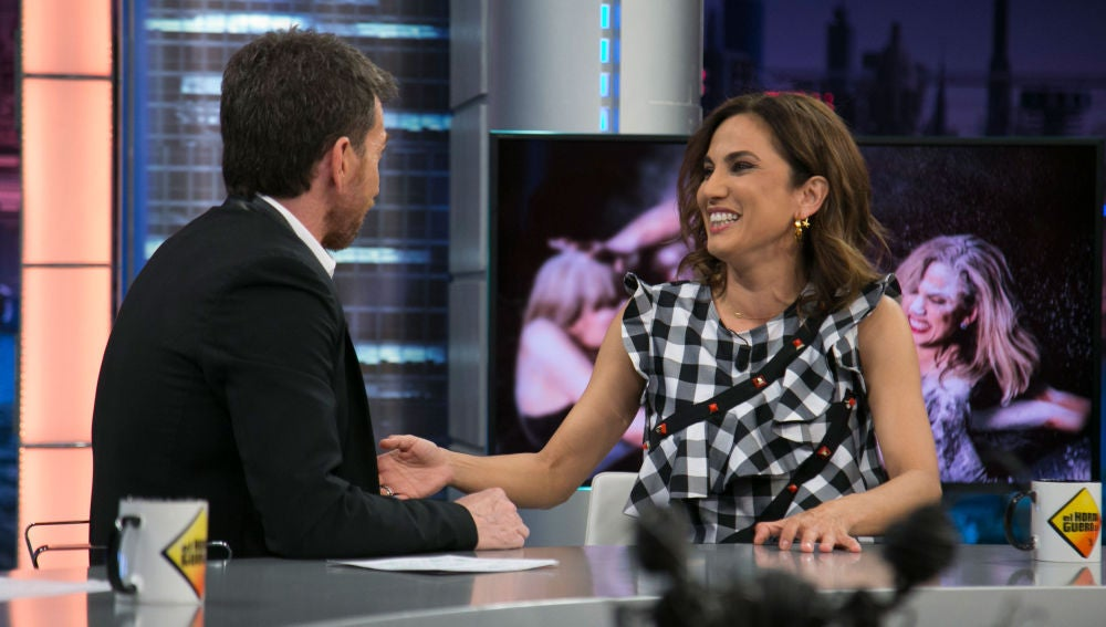Toni Acosta asegura en 'El Hormiguero 3.0' que le salieron agujetas por estar muchas horas sentada en un sofá