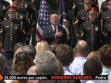 <p>Trump olvida la letra del himno durante un acto en la Casa Blanca</p>