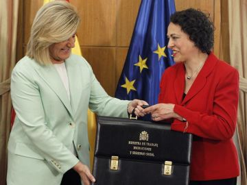 Magdalena Valerio recibe la cartera de Fátima Báñez
