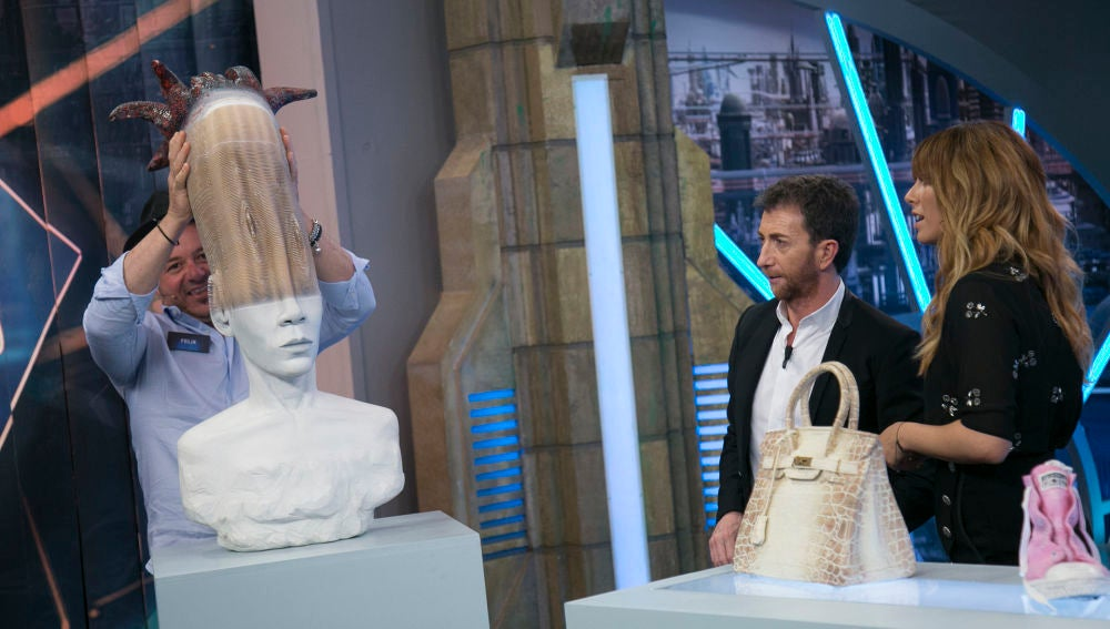 Blanca Suárez alucina en 'El Hormiguero 3.0' con las esculturas cinéticas hechas de papel de Félix Semper