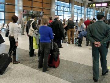 Controles de seguridad en el aeropuerto de Barajas