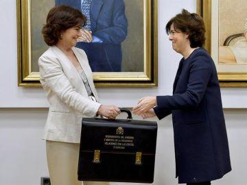 Calvo recibe la cartera de la exvicepresidenta Sáenz de Santamaría