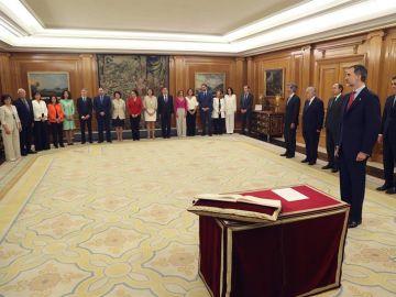Los ministros de Sánchez prometen su cargo ante el Rey