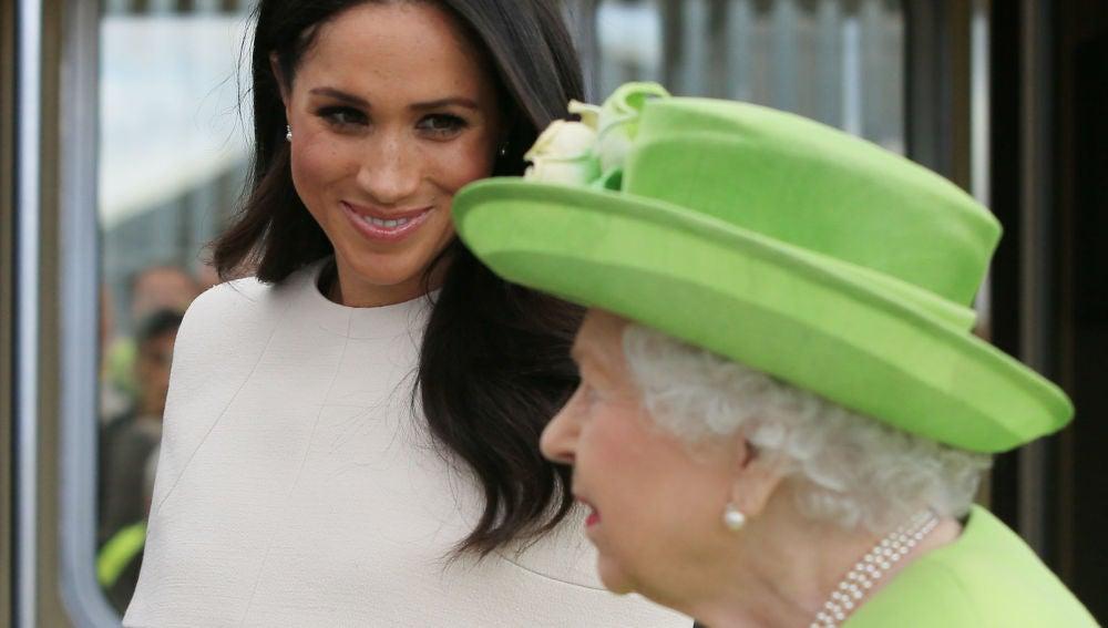 Meghan Markle y la reina Isabel II
