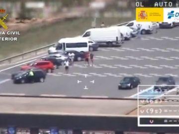 La Guardia Civil denuncia a 18 participantes de una carrera de vehículos de alta gama