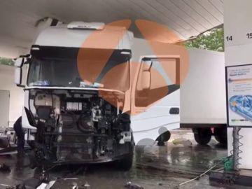 Tres muertos en una colisión frontal entre un turismo y un camión en Asturias