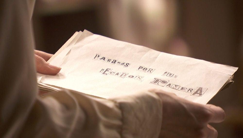 """Una nota anónima llega a Puente Viejo: """"Pagarás por tus pecados ramera"""""""
