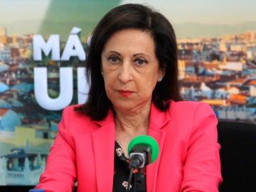 La ministra de Defensa, Margarita Robles, en los estudios de Onda Cero