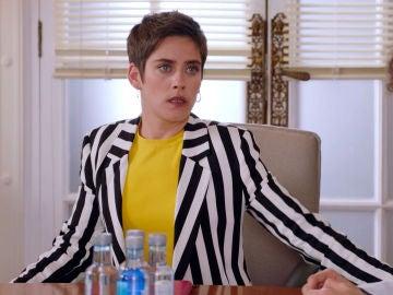 Carmen comunica a su equipo que presentará su dimisión