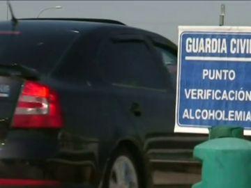 La DGT detecta cada día 450 conductores que han consumido alcohol o drogas