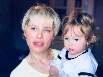 Soraya Arnelas con su hija Manuela
