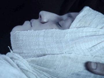 La muerte de María y la peste arruinan la vida de Arnau