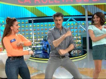 Jorge y Laura ponen ritmo al programa con esta divertida coreografía