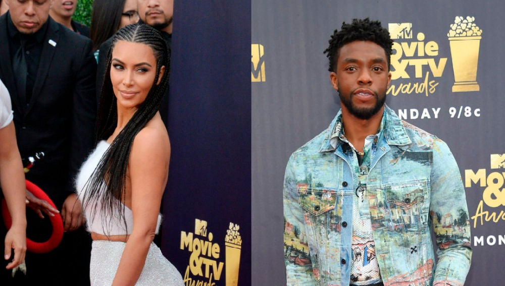 Kim Kardashian y Chadwick Boseman en la alfombra roja de los MTV Movie and TV Awards