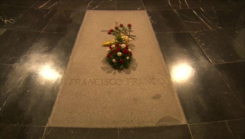 Los nietos de Franco piden a la iglesia que evite la exhumación