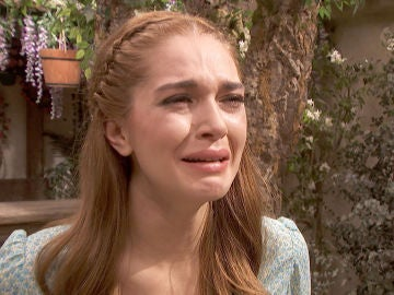 Julieta recibe noticias sobre el paradero de Saúl