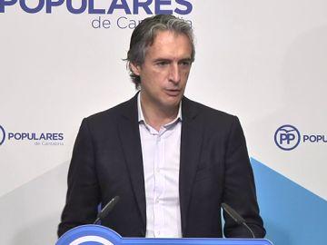 De la Serna se autodescarta como candidato a presidir el PP y apoya a Santamaría: