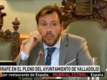 Polémica por las palabras de Óscar Puente tras dudar de la capacidad de gestión de la portavoz de Ciudadanos porque antes trabajaba en una tienda