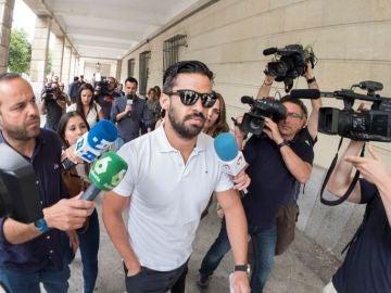 Noticias 2 Antena 3 (28-06-18) La Fiscalía pide una vista para pedir prisión para el guardia civil de La Manada