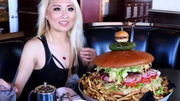 La youtuber Huang hamburguer