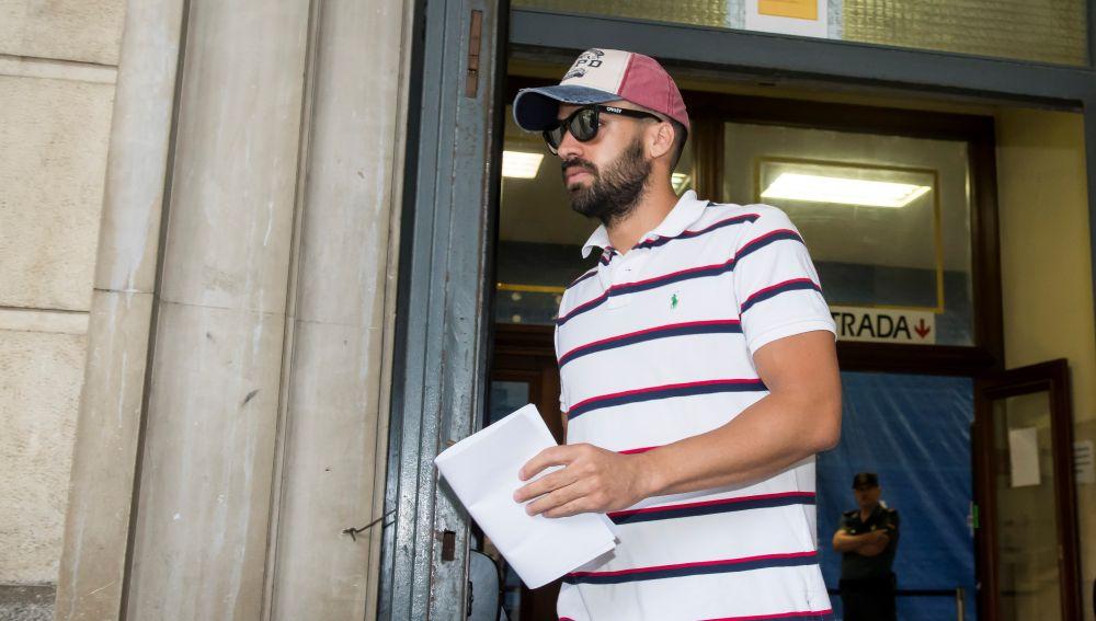 Antonio Manuel Guerrero ha sido el primero de los cinco integrantes en presentarse esta mañana ante el juzgado de guardia de Sevilla