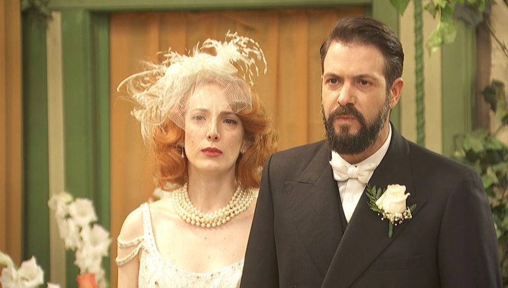 Severo e Irene reciben una visita inesperada el día de su boda