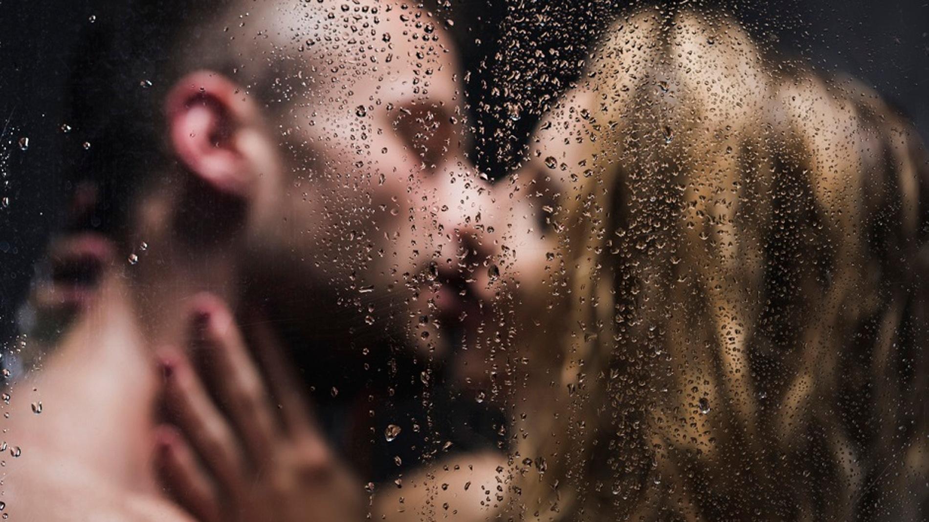 Beso en la ducha