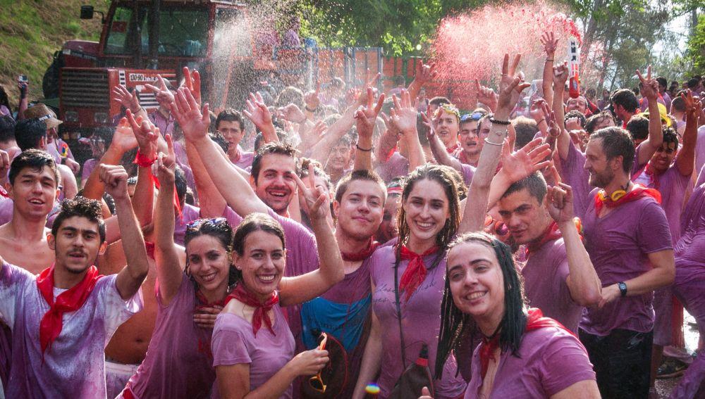 a tradicional Batalla del Vino de Haro ha lanzado unos 70.000 litros de vino