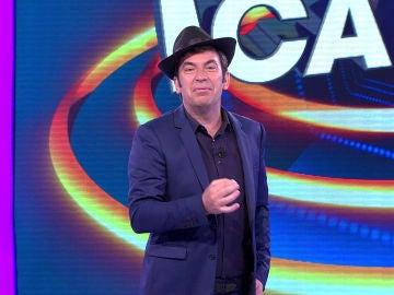 Descubre el motivo por el que Arturo Valls aparece con un sombrero en '¡Ahora Caigo!'
