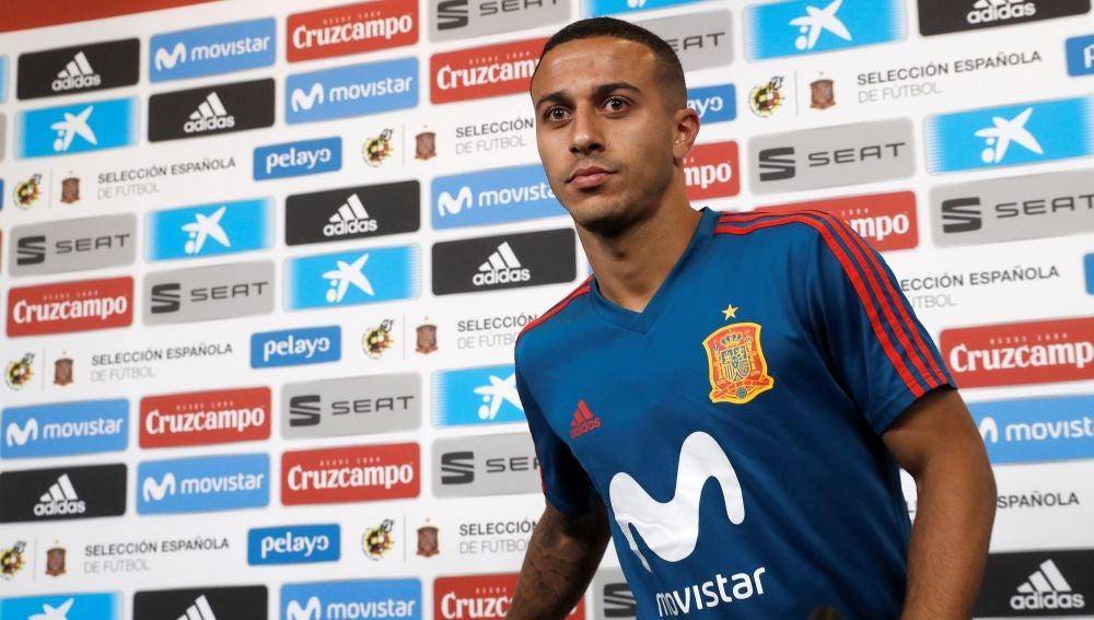 Thiago Alcántara, en sala de prensa