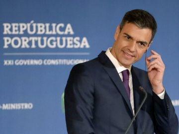 Pedro Sánchez durante una rueda de prensa en Lisboa
