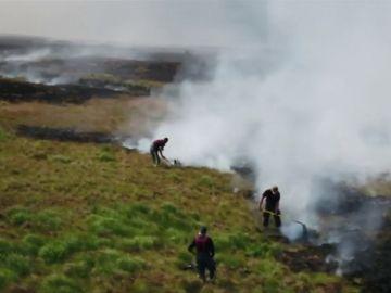 Incendios en los alrededores de Manchester producidos por el calor atípico en el norte de Inglaterra