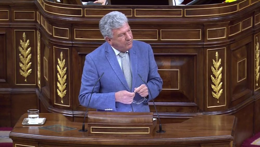 Nueva Canarias rompe con el PSOE por no aprobar de manera inmediata el descuento del 75% en los viajes a la Península