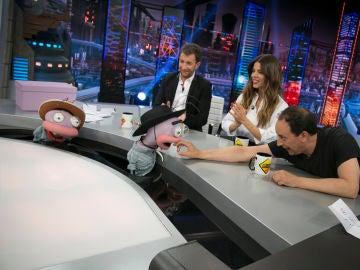 Trancas y Barrancas sorprenden a Juana Acosta y Luis Callejo transformándose en productores de telenovelas con 'Beso o cachetada'