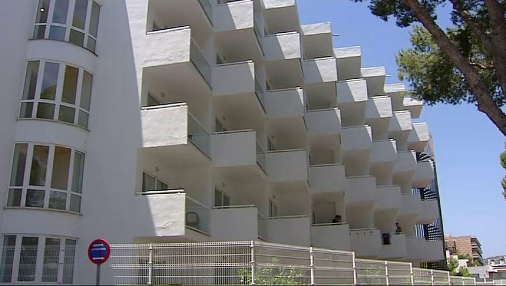 Muere el joven de 25 años que se precipitó desde un tercer piso de un hotel en Magaluf