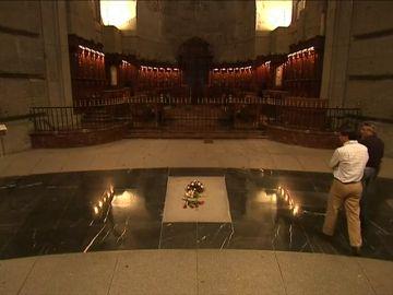 Los Franco se niegan a trasladar los restos del dictador a otra tumba