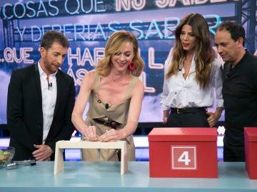 """Marta Hazas cambia la vida de Luis Callejo y Juana Acosta en 'El Hormiguero 3.0': """"El zumo de limón es perfecto para borrar el rotulador fluorescente"""""""